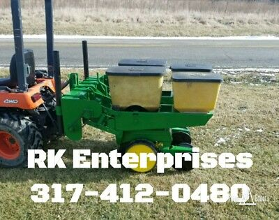 John Deere 2 Row 7000 Corn Planter with Precision Finger Meters