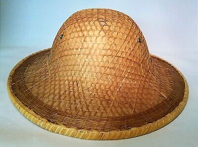Vintage Authentic Chinese Vietnamese Coolie Bamboo Woven Paddy Field Sun Hat.