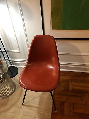 Vintage Eames Fiberglass Shell Chair   Excellent  Authentic Herman Miller  1971