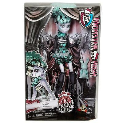 TWYLA FREAK DU CHIC MONSTER HIGH DOLL brand new