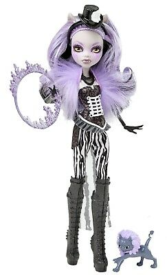 Clawdeen Wolf Freak Du Chic Monster High Doll