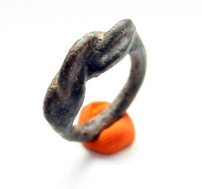 Ancient Twisted Decorated Bronze Finger Ring (ARL77)