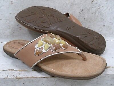 28811bcaae16 NEW Clarks Artisan Womens Roya Kim Tan Thongs Sandals Shoes 68578 size mm 6  M