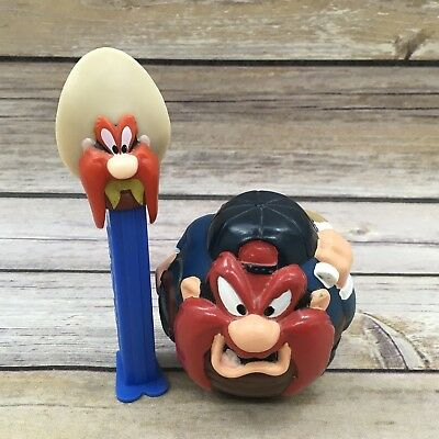 1994 Looney Tunes Yosemite Sam Plastic Ball and Pez Dispenser