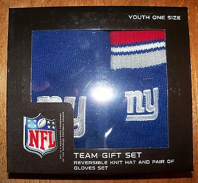 "*NIB* NFL Apparel ""NY Giants"" YOUTH Reversible Knit Hat & Pair of Gloves Set"