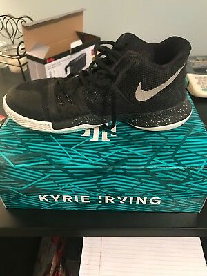 outlet store fb369 a0e98 Nike Boys Kyrie 3 Colorblock Mids Basketball Shoes Size 5Y