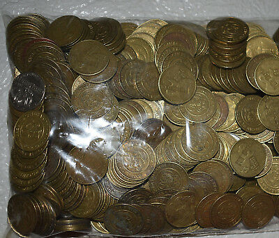 "1. Lot Of 500 Chuck E Cheese 1"" Brass Tokens - Can Be Redeemed For Cards"