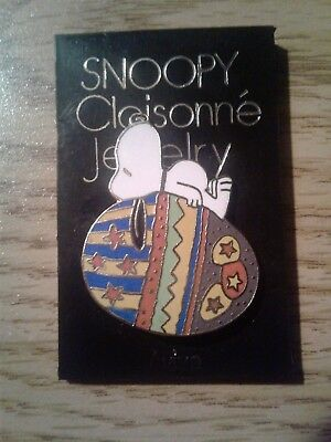 Vintage Aviva Snoopy and Easter Egg Pin
