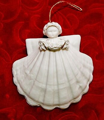 Margaret Furlong 1995 Shell Angel holding Flower Garland - Ornament  3""
