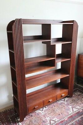 Art Deco cabinet in good condition.