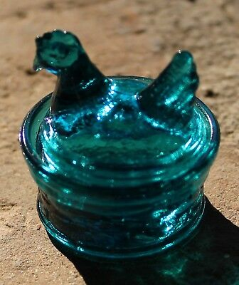 E. & E. Collectibles, Wetzel Mini Hen Salt in Teal, 1990