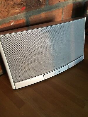 Bose wave music system with chargeable battery to play off mains