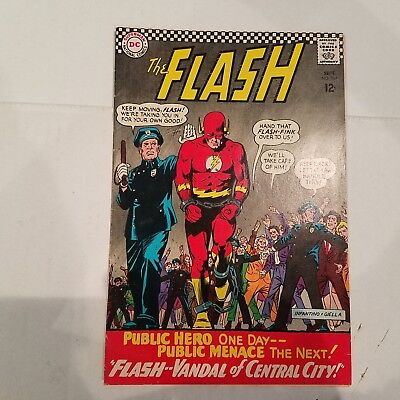 Flash 164 F/VF   HUGE DC SILVER AGE COLLECTION No Reserve