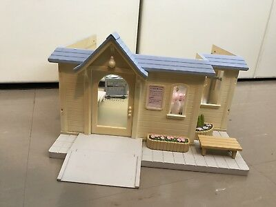 Sylvanian Families Doctor Clinic Medical Building Furniture Accessories
