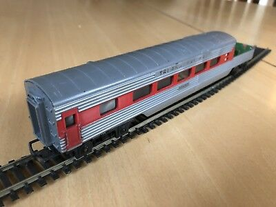 VINTAGE TRIANG R125 TRANSCONTINENTAL OBSERVATION CAR SILVER/RED OO Gauge