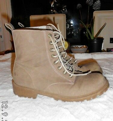 H&M Divided Beige Faux Leather fleece lined Boots SIZE: UK 7 EU 40