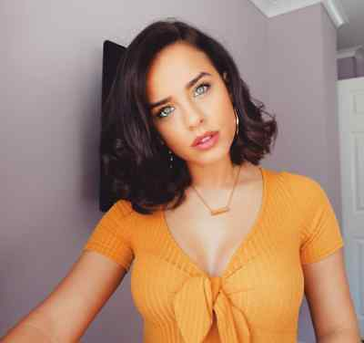 Georgia May Foote glossy photo 12 to choose from