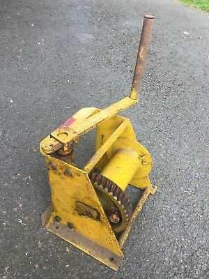 Heavy Duty Hand Winch In Good Condition