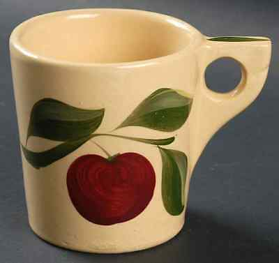 Watt Pottery APPLE Mug S1837732G3