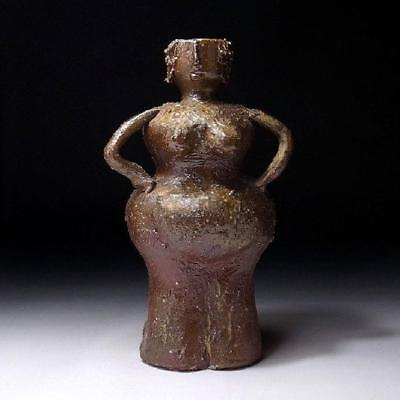 HG9: Vintage Japanese Pottery Vase, Bizen ware, Height 9.4 inches, Woman