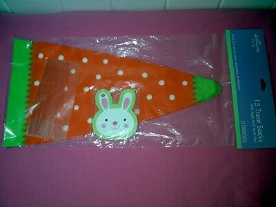 NEW Cute Hallmark  Easter Carrot Shape 15 Treat Bags with Bunny Tags &Twist Ties