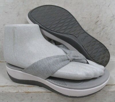 695bf47b8d01 Clarks Cloudsteppers Womens Arla Glison Gray Thongs Sandals Shoes 24906  size 8 M