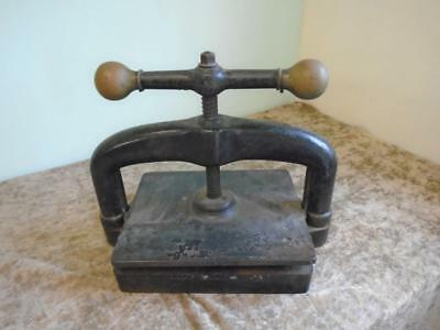 Antique Cast Iron Heavy Duty Book Press British With Stamped Lion Quality D