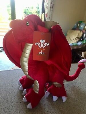 BNWT Welsh Rugby Union OFFICIAL red & gold dragon 12 inch PLUSH WRU SCORCH BACH