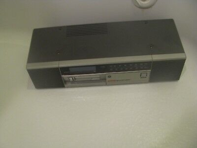 General Electric Spacemaker Model # 7-4269A AM/FM Clock Radio