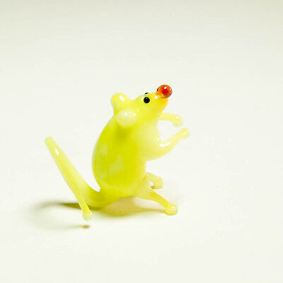 Tiny miniature glass Mouse yellow blown glass Murano handcraft figurine. VIDEO