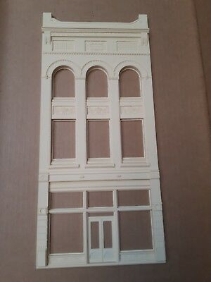 Chooch Ultra Scale Branson Building Front O, On3, On30, #635