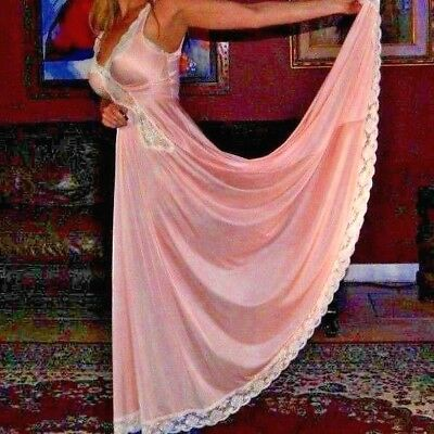 RARE Vtg OLGA DESIGNER COLLECTION Grand Sweep! Pale Pink Gown 92076 Size Small