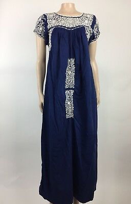 Amazingly Beautiful Vintage 70s Dress White Oaxacan Mexican Blue Embroidery N24