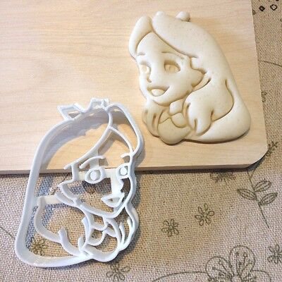 Alice in Wonderland Alice Cookie Cutter - Fondant Cake Cupcake Topper Biscuit