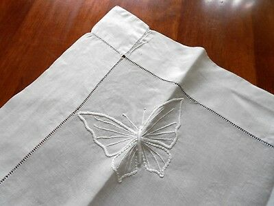 Vintage IRISH LINEN CANDLEWICK Embroidered Butterflies Supper TABLECLOTH