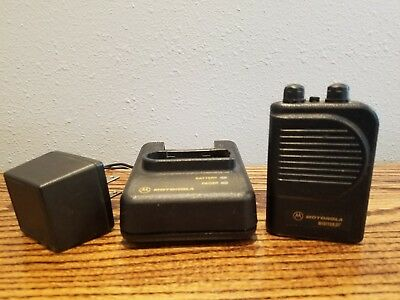 Motorola Minitor 3 Minitor III Pager VHF Charger