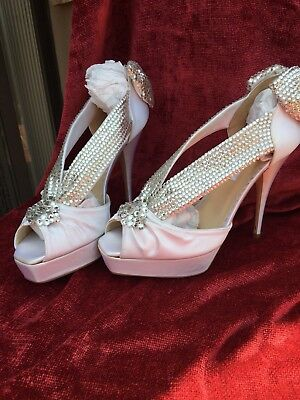"L@@K! 1 Of A Kind "" Bridal Shoes "" Swarovski Bride "" Oscar de la Renta  Size: 8"