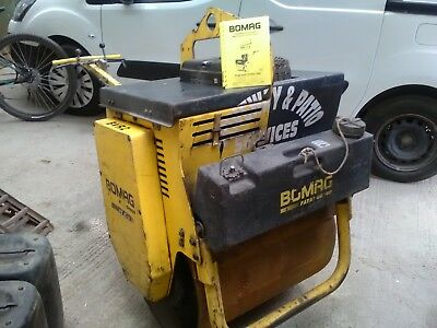 Bomag be e71 vibrating roller very low hours