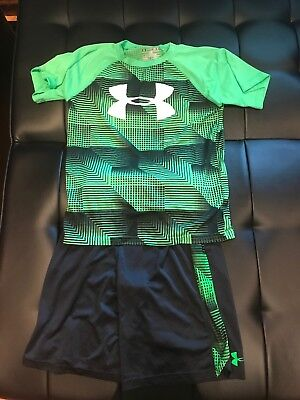 Under Armour T-Shirt & Shorts Lot Boys Medium