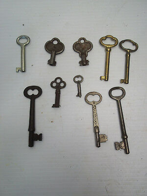 Lot of 10 Vintage/Antique keys - skeleton rustic steampunk