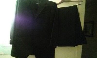 New - Envo Tovare Collection Blue Men's (3) Piece Suit, Made in Italy.