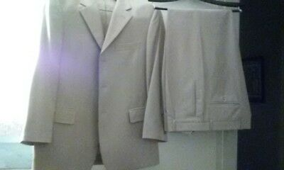 New - Envo Tovare Collection Light Tan Men's (2) Piece Suit, Made in Italy.