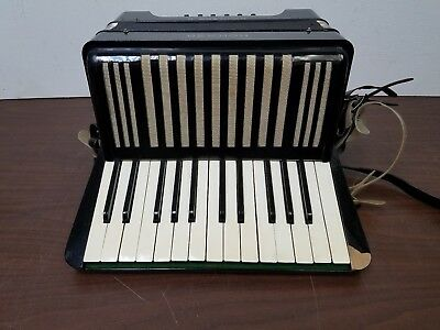 Vintage Hohner Student II Student Size 25/12 Piano Accordion