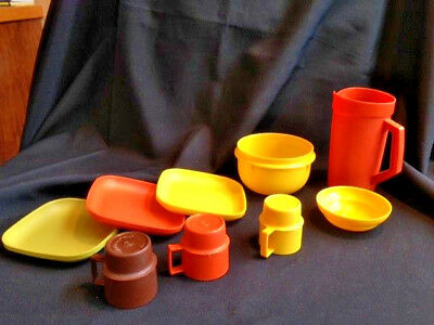 Vntg Child's Tupperware Party Set 9Pc 3Cups, Pitcher,Bowl,3 Plates Mixing Bowl