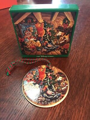 Disney Store 1995 disc Christmas At Our House Ornament Winnie The Pooh & Gang