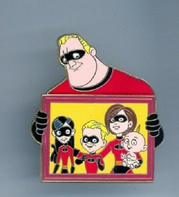 Disney Shopping Father's Day Bob The Incredibles Violet Dash Family Portrait Pin