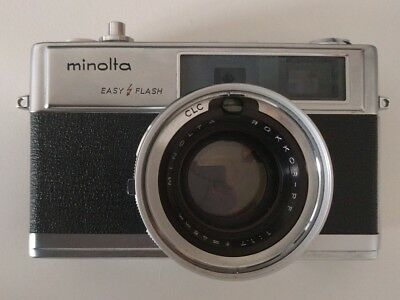 Minolta Hi-Matic 9 + Flash Mikona MV-220