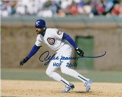 ANDRE DAWSON  CHICAGO CUBS    HOF 2010   ACTION SIGNED 8x10