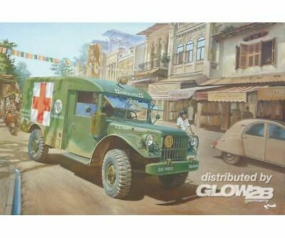 Roden 811 M43 3/4 ton 4x4 Ambulance Truck in 1:35