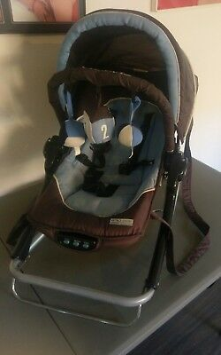 Fold Up. Baby Rocker. Great for On the Go, Travelling / Camping!